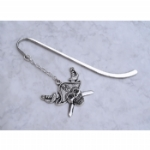 Skull & Crossbones Bookmark